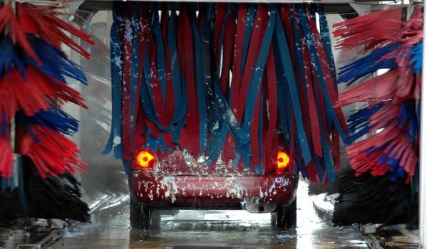 Like, deel en win. Wasbonactie van De Kilometerverzekering.nl. Win twaalf keer gratis autowassen. Doe mee aan onze Facebookactie. 11 April maken wij 5 winnaars bekend